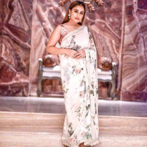 NOOPUR KALRA Chennai Fashion Blogger